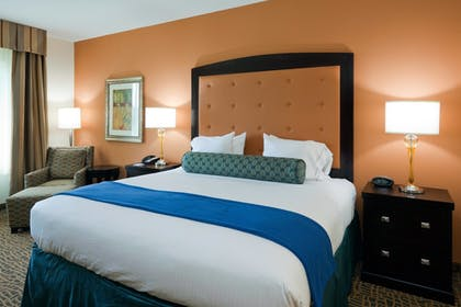 Guestroom   Holiday Inn Express Hotel & Suites Mobile/Saraland