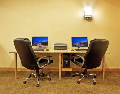 Business Center   Holiday Inn Express & Suites Chesterfield
