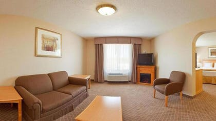 Living Room   Holiday Inn Express & Suites Chesterfield