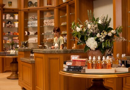 Spa Reception | The Resort at Pelican Hill