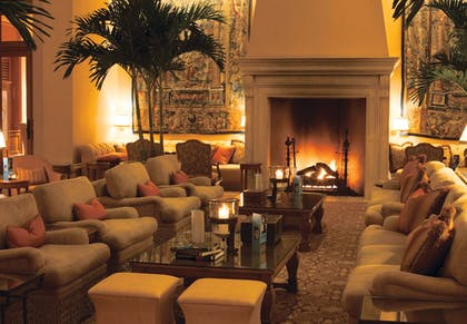 Lobby Sitting Area | The Resort at Pelican Hill