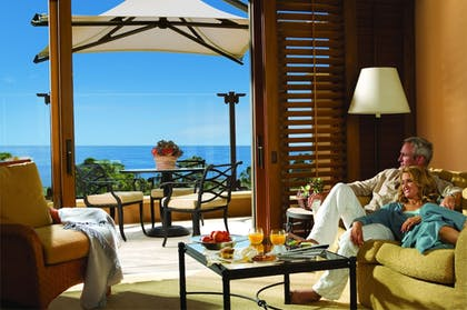 Living Area | The Resort at Pelican Hill