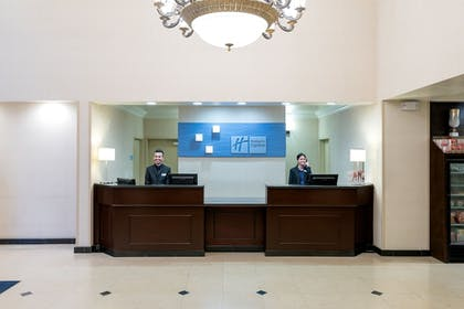 Lobby | Holiday Inn Express Los Angeles Airport Hawthorne