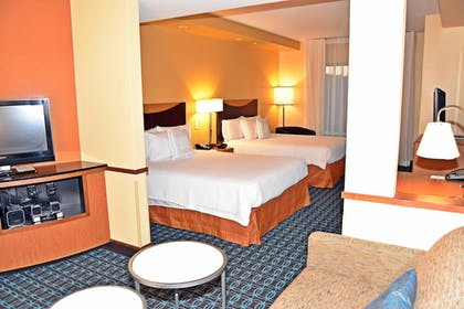 Guestroom | Fairfield Inn & Suites by Marriott Carlisle