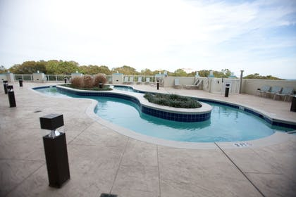 Outdoor Pool | Horizon at 77th