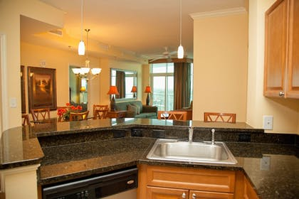 In-Room Kitchen | Horizon at 77th