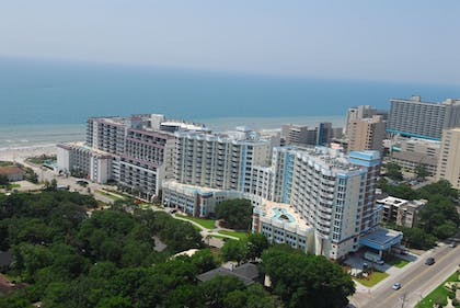Aerial View | Horizon at 77th