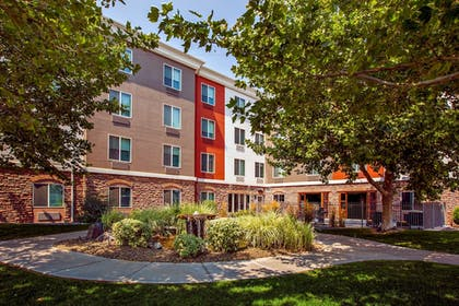 Property Grounds | Holiday Inn Express & Suites Ontario