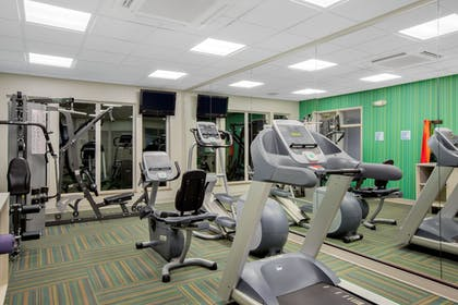 Fitness Facility | Holiday Inn Express & Suites Ontario