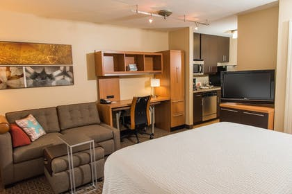 Guestroom | TownePlace Suites by Marriott - Millcreek Mall