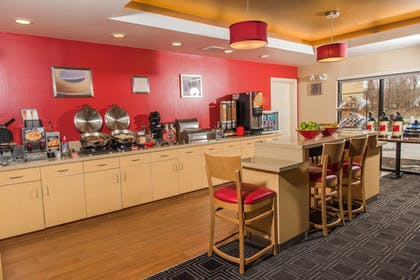 Breakfast buffet | TownePlace Suites by Marriott - Millcreek Mall
