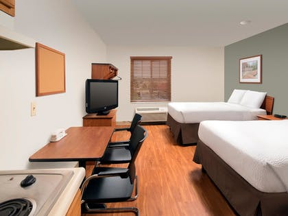 Guestroom | WoodSpring Suites Wilmington