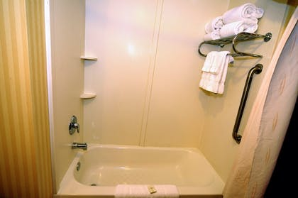 Deep Soaking Bathtub | Comfort Suites Mahwah - Ramsey