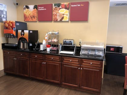 Breakfast buffet | Comfort Suites Mahwah - Ramsey