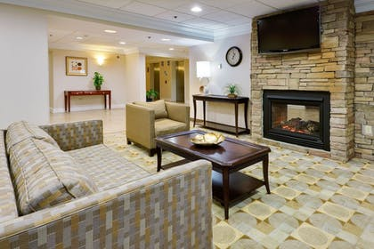 Living Area | Holiday Inn Express Wilkes Barre East
