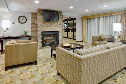 Lobby Lounge | Holiday Inn Express Wilkes Barre East