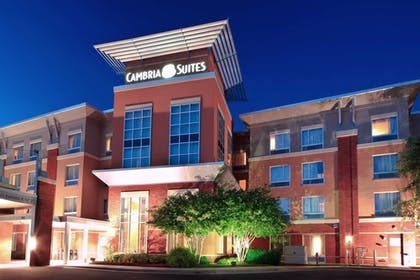 Featured Image | Cambria Hotel Raleigh-Durham Airport