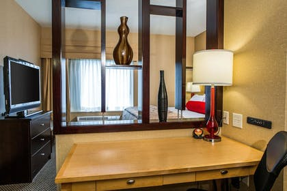 Guestroom | Cambria Hotel Raleigh-Durham Airport