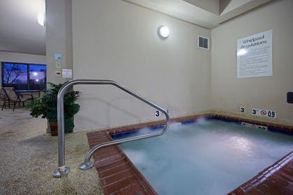 Spa | Holiday Inn Express Hotel & Suites Lewisburg