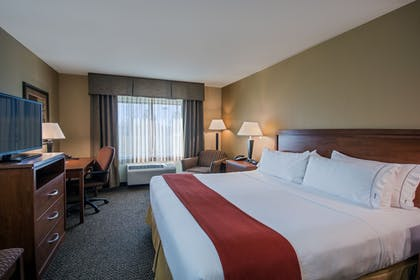 Guestroom | Holiday Inn Express Hotel & Suites Lewisburg