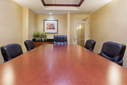 Meeting Facility   Holiday Inn Express & Suites Baton Rouge East