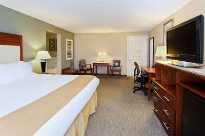 Guestroom   Holiday Inn Express & Suites Baton Rouge East