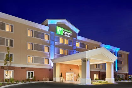 Featured Image | Holiday Inn Express Suites Sumner