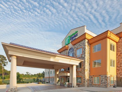 Exterior | Holiday Inn Express & Suites Marshall