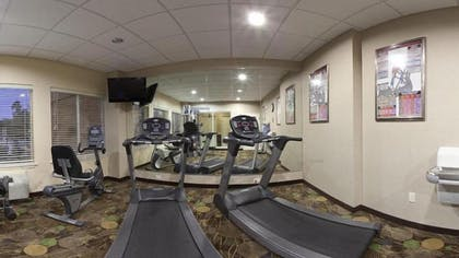 Gym | Holiday Inn Express & Suites Marshall