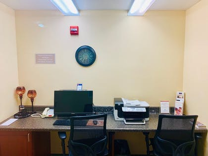 Business Center | Candlewood Suites Hot Springs