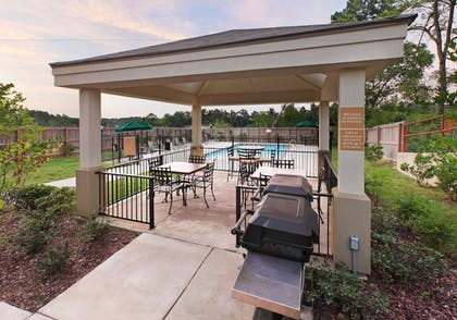 BBQ/Picnic Area | Candlewood Suites Hot Springs