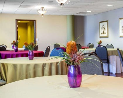 Breakfast Area |  | Villa Montes Hotel, an Ascend Hotel Collection Member