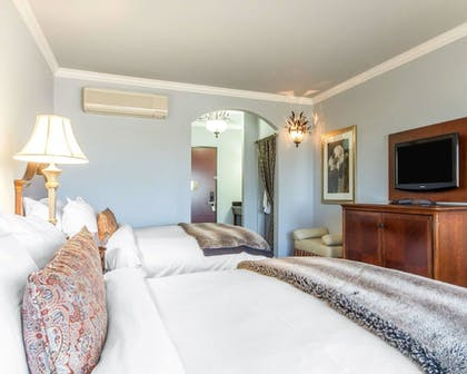 Guestroom |  | Villa Montes Hotel, an Ascend Hotel Collection Member