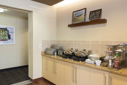 Breakfast Area | TownePlace Suites by Marriott Joliet South