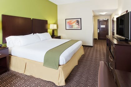 Guestroom | Holiday Inn Express & Suites Rome-East