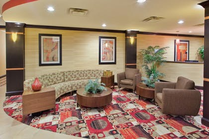 Lobby | Holiday Inn Express & Suites Rome-East
