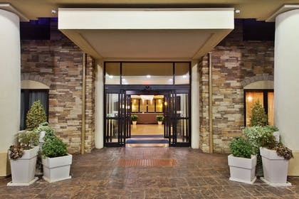 Exterior | Holiday Inn Express & Suites Rome-East