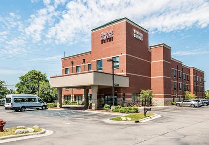 Featured Image | Comfort Suites Canton
