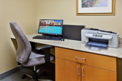 Business Center | Candlewood Suites Macon