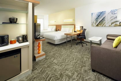 Guestroom | SpringHill Suites by Marriott Chicago Waukegan/Gurnee