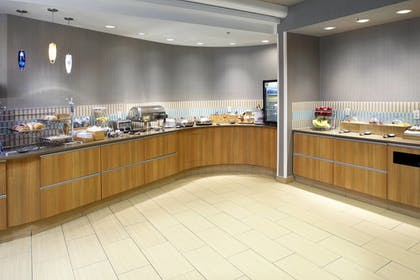 Breakfast Area | SpringHill Suites by Marriott Chicago Waukegan/Gurnee