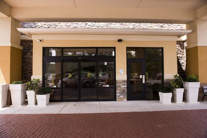 Exterior | Holiday Inn Express Hotel & Suites Atlanta East - Lithonia