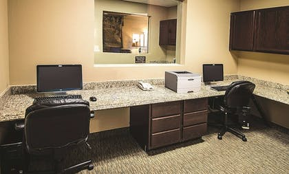 Business Center | La Quinta Inn & Suites by Wyndham Marble Falls