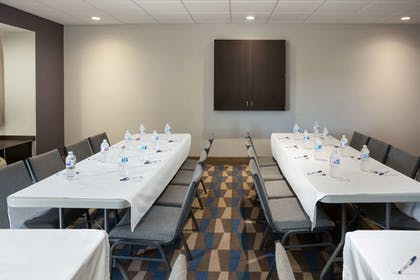 Meeting Facility   Microtel Inn & Suites by Wyndham Brooksville