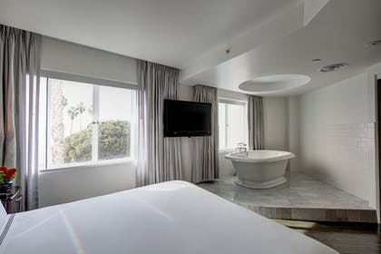 | Luxury Suite, 2 Bedrooms | Hotel Shangri-La