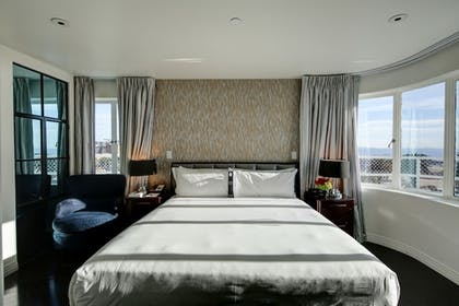 | Suite, 1 King Bed with Sofa bed, Terrace | Hotel Shangri-La