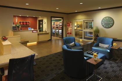 Lobby | TownePlace Suites by Marriott Houston North / Shenandoah