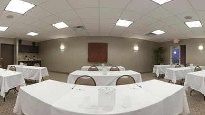 Meeting Facility | Holiday Inn Express Hotel & Suites Council Bluffs - Conv Ctr