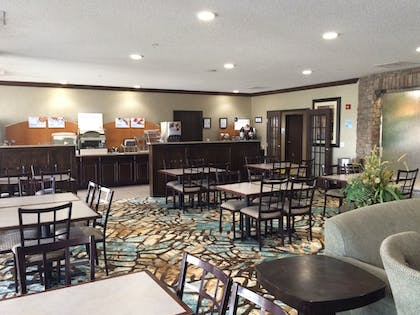 Restaurant | Holiday Inn Express Hotel & Suites Council Bluffs - Conv Ctr