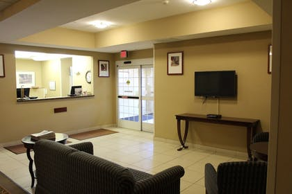 Featured Image   Candlewood Suites Airport